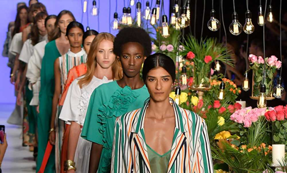 Mercedes-Benz Fashion Week Istanbul'a Korana Virüs engeli