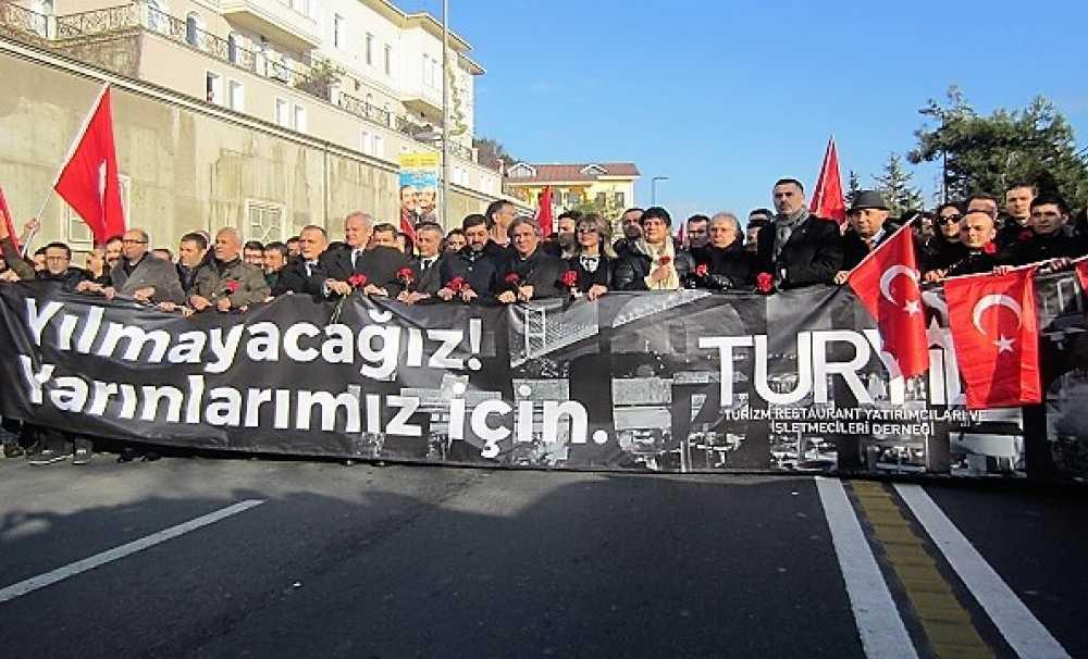 Turizmciler teröre karşı yürüdüler