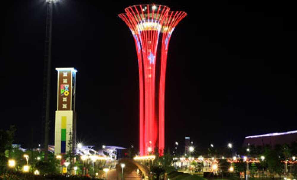 Turkcell EXPO Kulesi de ay yıldızlı Türk bayrağı ile aydınlatıldı