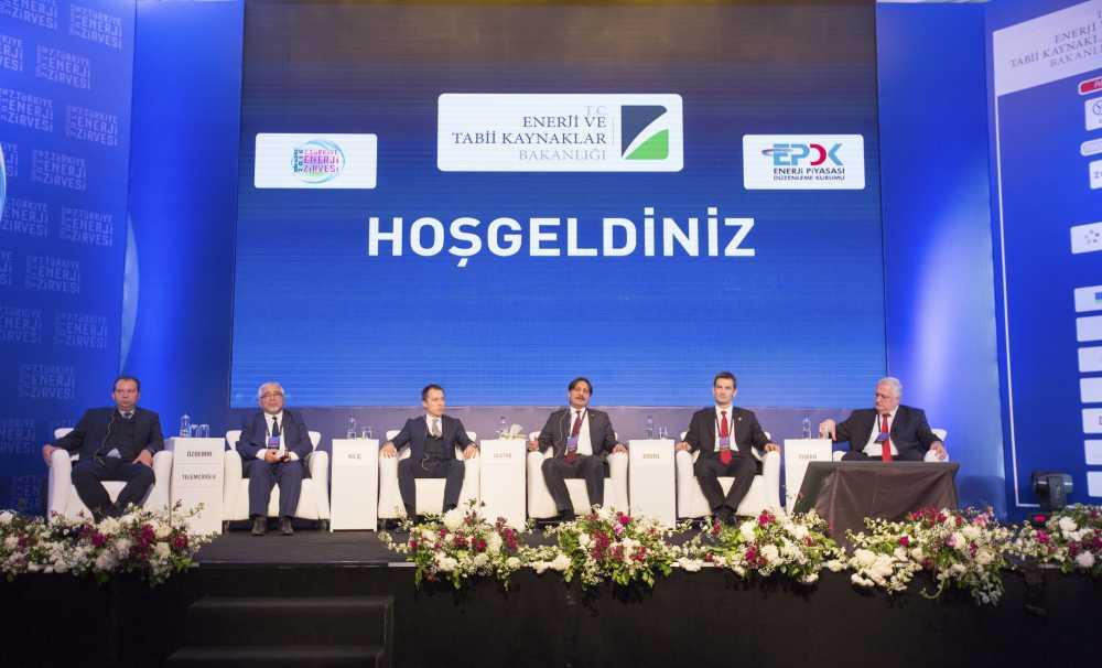 Yingli Solar Türkiye Üke Müdürü Uğur Kılıç 7. Türkye Enerji Zirvesi'nde konuştu