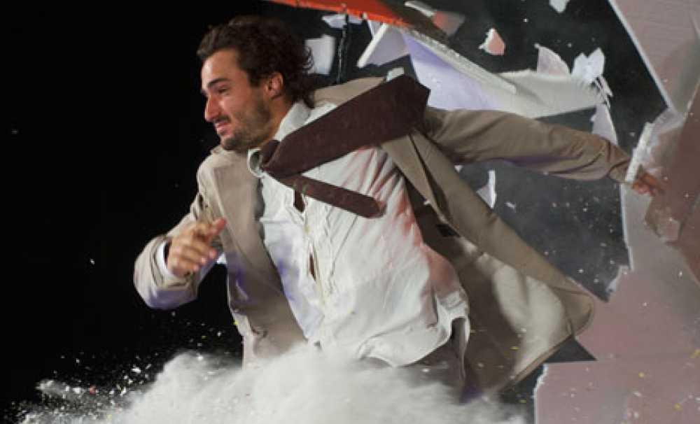 Dünyanın en olağanüstü gösterisi Fuerza Bruta ilk kez İstanbul'a Geliyor!