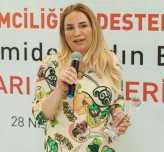 """Emel Elik Bezdaroğlu'na """"Turizm'de Başarı Ödülü verildi"""