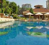 Grand Hyatt İstanbul'da Havuz ve Yeşillik Keyfi Bir Arada