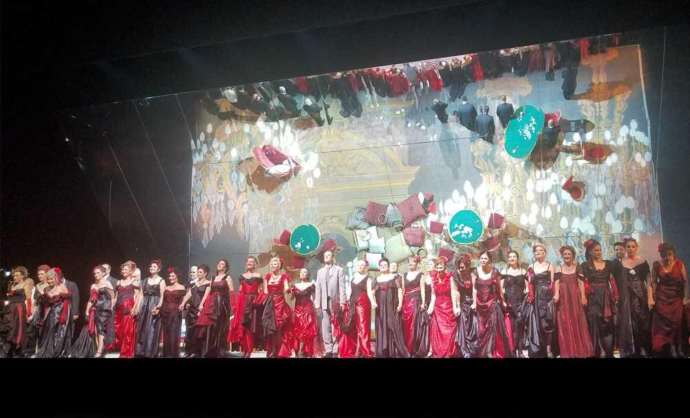 La Travıata Operası sanatseverlerle buluştu