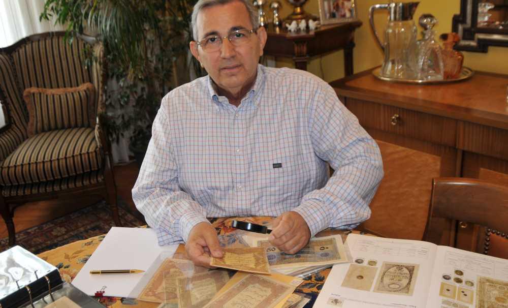 Mehmet Tezçakın, dünya tarihindeki en ilginç paraları seçti