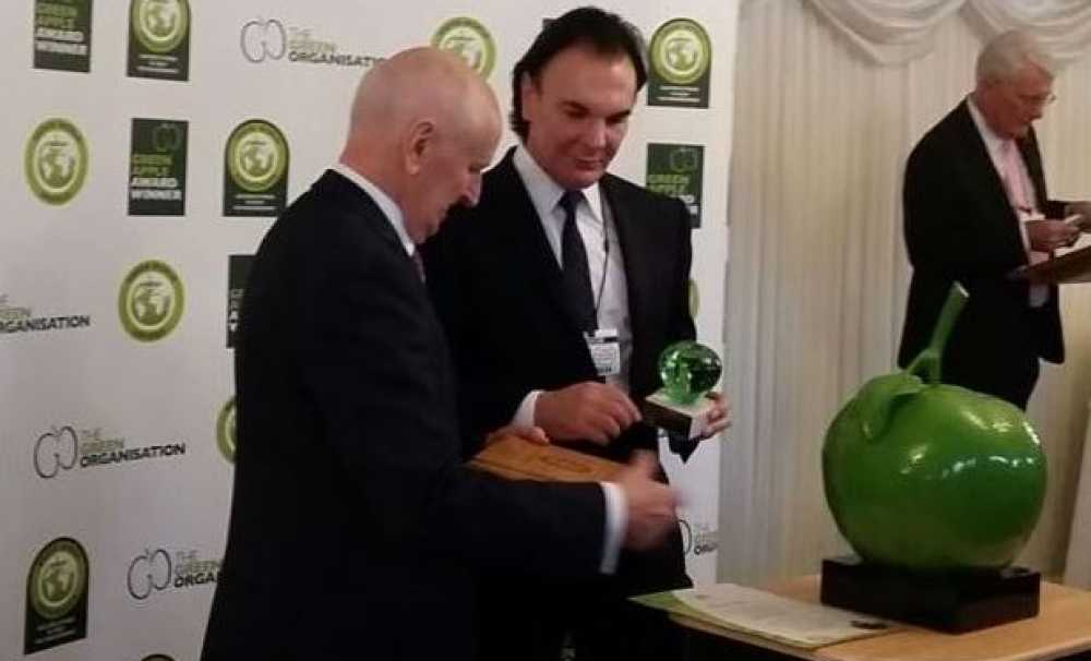 Crystal Lagoons'a İngiliz Parlamentosu'nda Yeşil Elma Ödülü