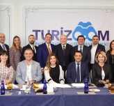 Turizoom yeni ekibiyle hedef büyüttü