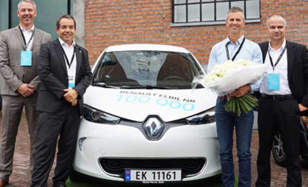 Renault, 100 bininci elektrikli otomobilinin satışını gerçekleştirdi