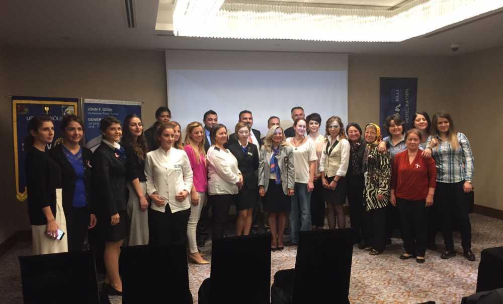 Radisson Blu Hotel Kayseri'de, Meme Kanseri bilinçlendirme toplantısı yapıldı
