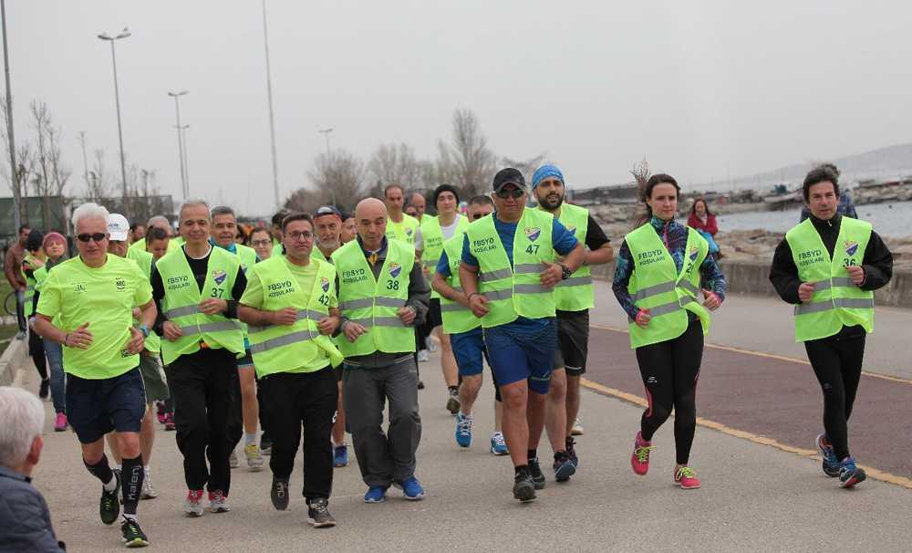 Koşmak için bir sebebimiz var birlikte koşuyoruz