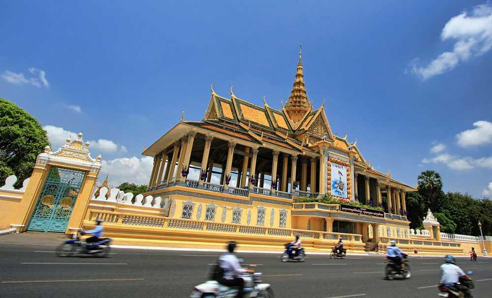 """Emirates'in Yeni Uçuş Noktası Kamboçya'nın """"Phnom Penh"""" Şehri Oldu"""