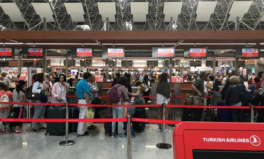 İstanbul Sabiha Gökçen'deyolcu dostu uygulamalar sürüyor