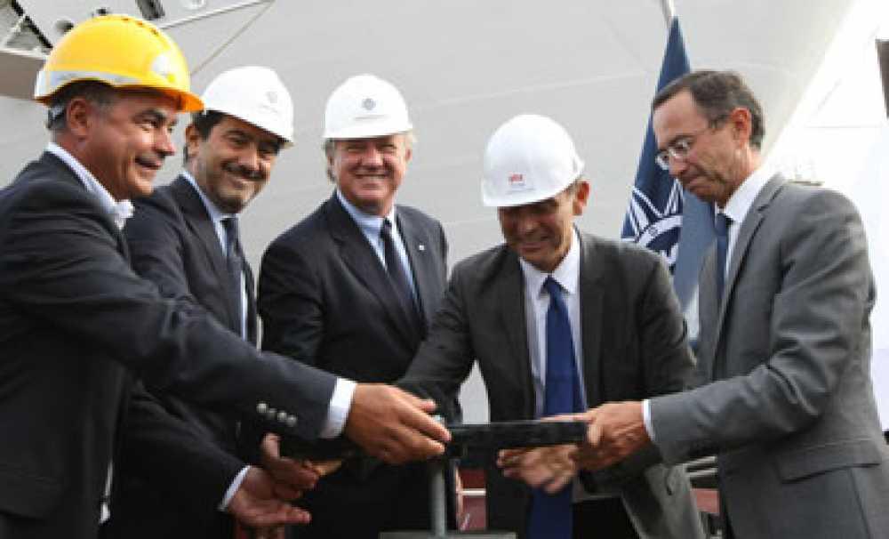 MSC Cruises'ın yeni nesil mega gemisi MSC Meraviglia suya indirildi