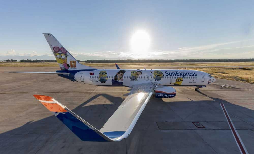 SunExpress'in 6'ıncı ve yılın son yepyeni uçağını Minyonlar ile geldi