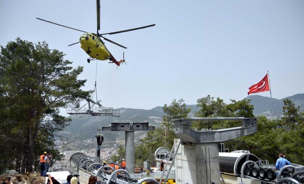 Tek bir ağaç kesilmedem özel helikopterlerle inşaa edildi