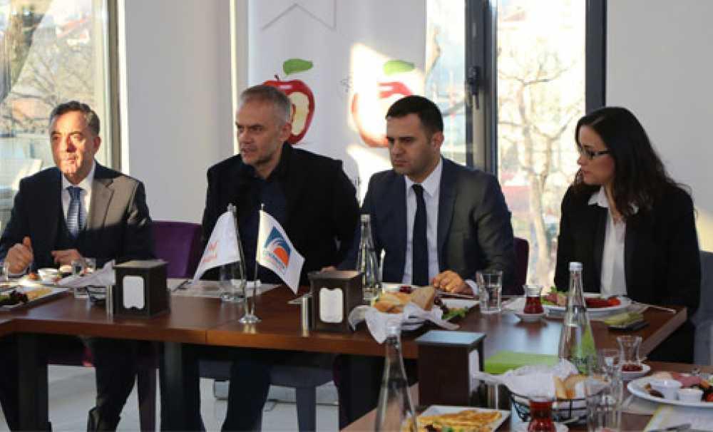Çekmeköy'de Mutfakları Şeffaflaşıyor
